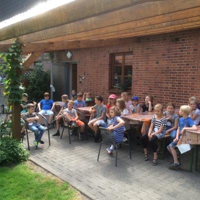 (Foto: Bußmann) Gespannt warten die Kids auf die Vorstellung des Freizeitprogramms!