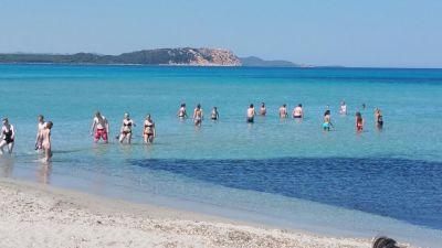 (Foto: Kettner) Abkühlung im türkisfarbenen Meer!