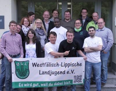 """(Foto WLL) Die WLL gemeinsam mit der """"Jugend ohne Grenzen"""" bei ihrer gemeinsamen Infoveranstaltung zum Thema """"Flüchtlinge in Westfalen-Lippe""""."""