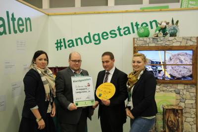 """(Foto: WLL) Dr. Hannes Kopf (Staatssekretär im Ministerium der Justiz und für Verbraucherschutz Rheinland-Pfalz) sind """"Gesunde Lebensmittel"""" wichtig."""