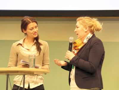 (Foto: WLL) Isabell-Marie Cyrener (Vorsitzende der Westfälisch-Lippischen Landjugend e.V.) berichtet über den Landjugendstand auf der IGW und das Konzept dahinter.
