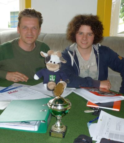 Beratung von 2 Jugendclubchefs bei der Beantragung von Fördermitteln im JC Berthelsdorf Foto-SLJ