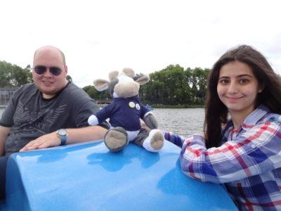 (Foto: WLL) Gemeinsam in einem Boot: Sebastian und Wilma (WLL) und Maja, Sprecherin der JoG in Rheine