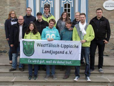 (Foto: WLL/Welpelo) Hinten v.l.n.r.: Vanessa Weber (Einzelmitglied), Steffen Haarmann (LJ Lengerich), Martin Bohle (LJ Loxten) Mitte v.l.n.r.: Sebastian Jakobs (LJ Breckerfeld), Frank Maletz (LJ Lengerich), Sarah Berkhoff (LJ Norddinker), Moritz Brunnenberg (LJ Norddinker), Stefan Schmidt (LJ Minden-Lübbecke) Vorne v.l.n.r.: Melanie Alfes (LJ Hennen), Niklas Nollmann (LJ Lengerich), Franziska Trepte (Einzelmitglied), André Bußmann (Einzelmitglied)