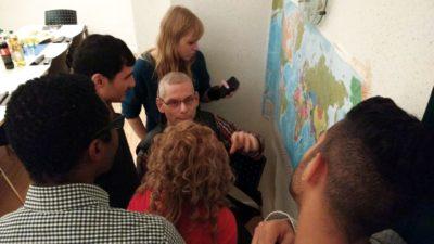 (Foto: WLL/Welpelo) Die Weltkarte neu kennenlernen mit Gesichtern und Geschichten dazu.