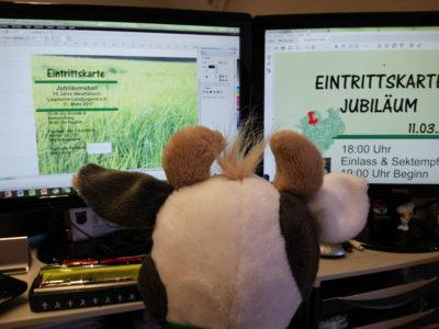 (Bild: WLL) Wilma hilft beim Layout der Eintrittskarte fürs Jubi