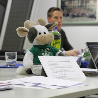 Immer vorne mit dabei - Wilma. Hier: Der Vorstand bei seiner ersten Sitzung nach der Wahl 2017. (Foto: WLL)