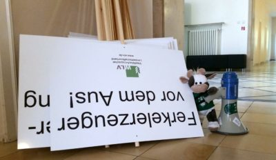 (Foto: WLL/Engberding) Wilma unterstützt die Demonstration vom WLV e.V.