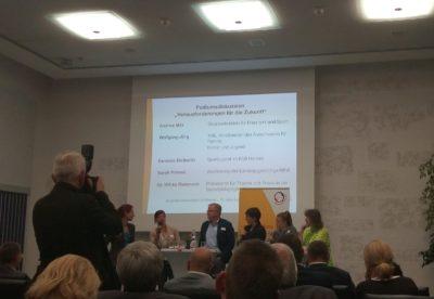 (Foto: WLL/Trepte) Das Podium diskutiert die Herausforderung der Jugendverbände für die Zukunft