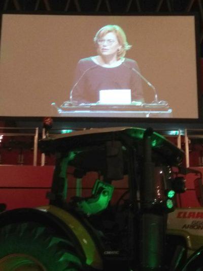 (Foto: WLL/Reinl) Ministerin Klöckner beim LVM Landwirtschaftstag