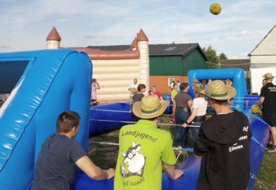 """(Foto Welpelo/WLL) """"Wir bespielen das Dorf!""""-Aktion bei der Landjugend Vellinghausen-Eilmsen"""