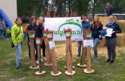(Foto: WLL/Hoffmann) Die Landjugend Loxten präsentiert Nisthilfen-Aktion vor Ort, 26.05.2019
